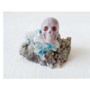PENTAGONITE ON STILBITE w/ Agate Skull